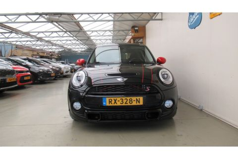 MINI Mini 2.0 Cooper S { 260-PK } JCW Chili Serious Business